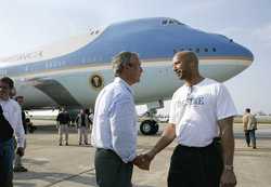 250px-Hurricane_Katrina_President_Bush_with_New_Orleans_Mayor.jpg